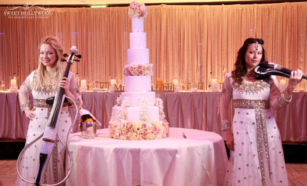 Ashanti Strings Admire And Take A Few Snaps With Our Luxury Eggless Wedding Cake InterContinental
