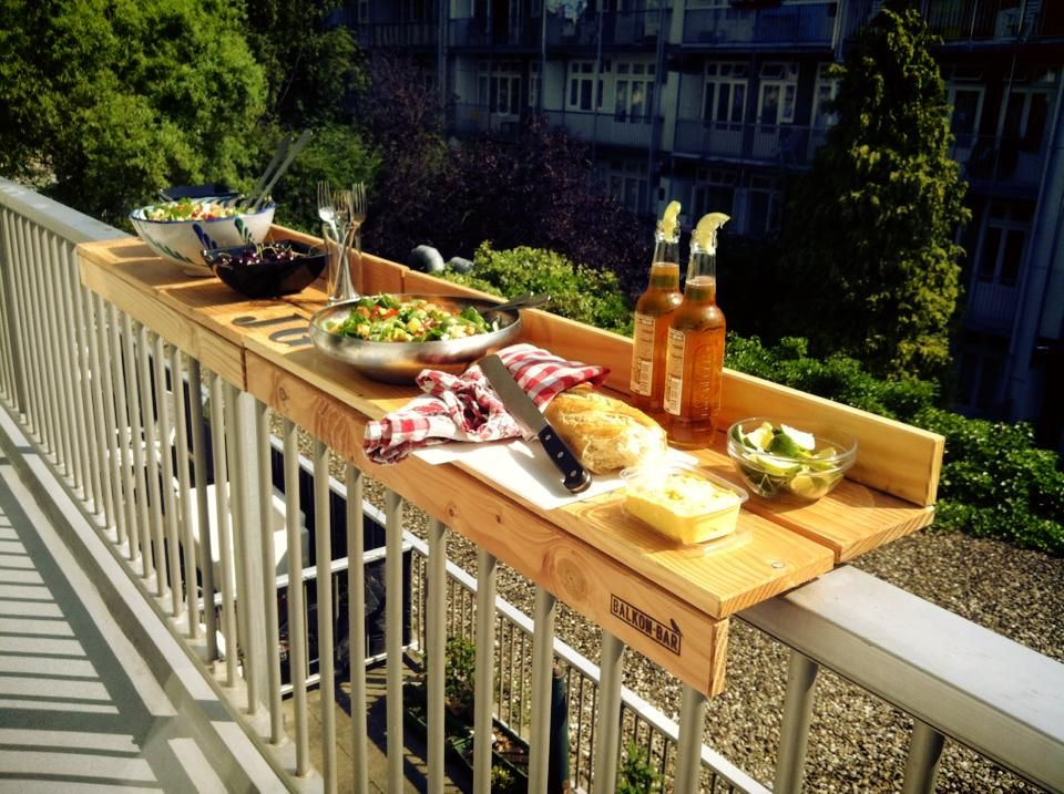 Buitenleven de balkonbar duurzaam handig hip for Diy balcony bar