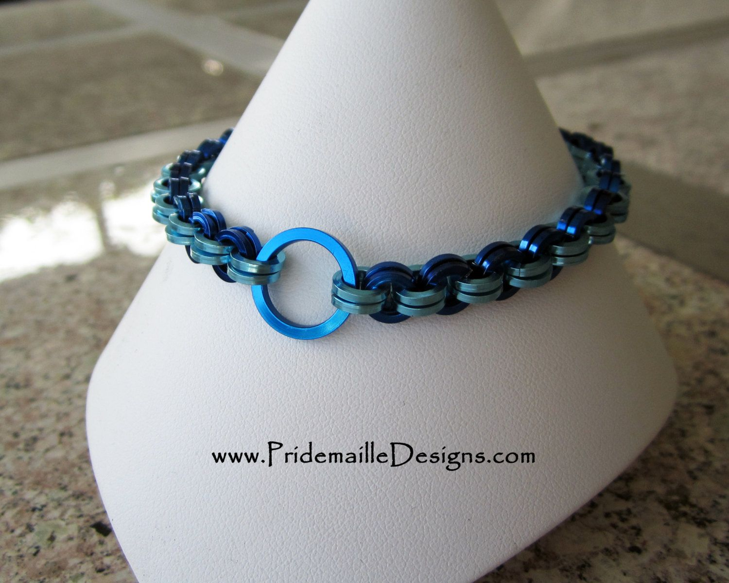 Blue Lone Ring Bracelet - Chainmaille Jewelry - Anodized Aluminum ...