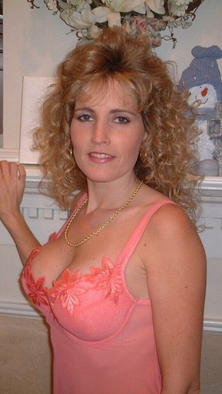 Blonde milf riding cock