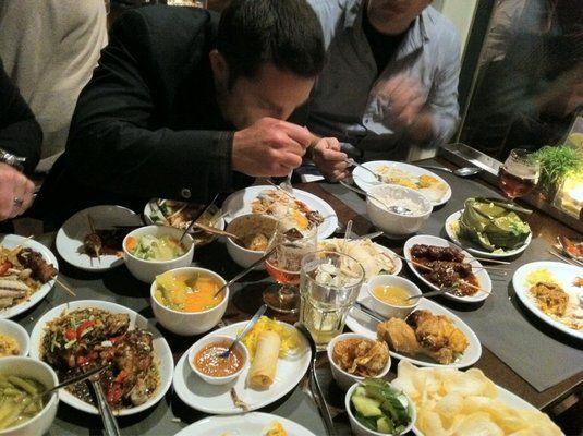 Amsterdam - Kantjil & de Tijger indonesian restaurant food rijsttafel, Spuistraat 291-293 - indonesialainen ravintola riisipöytä