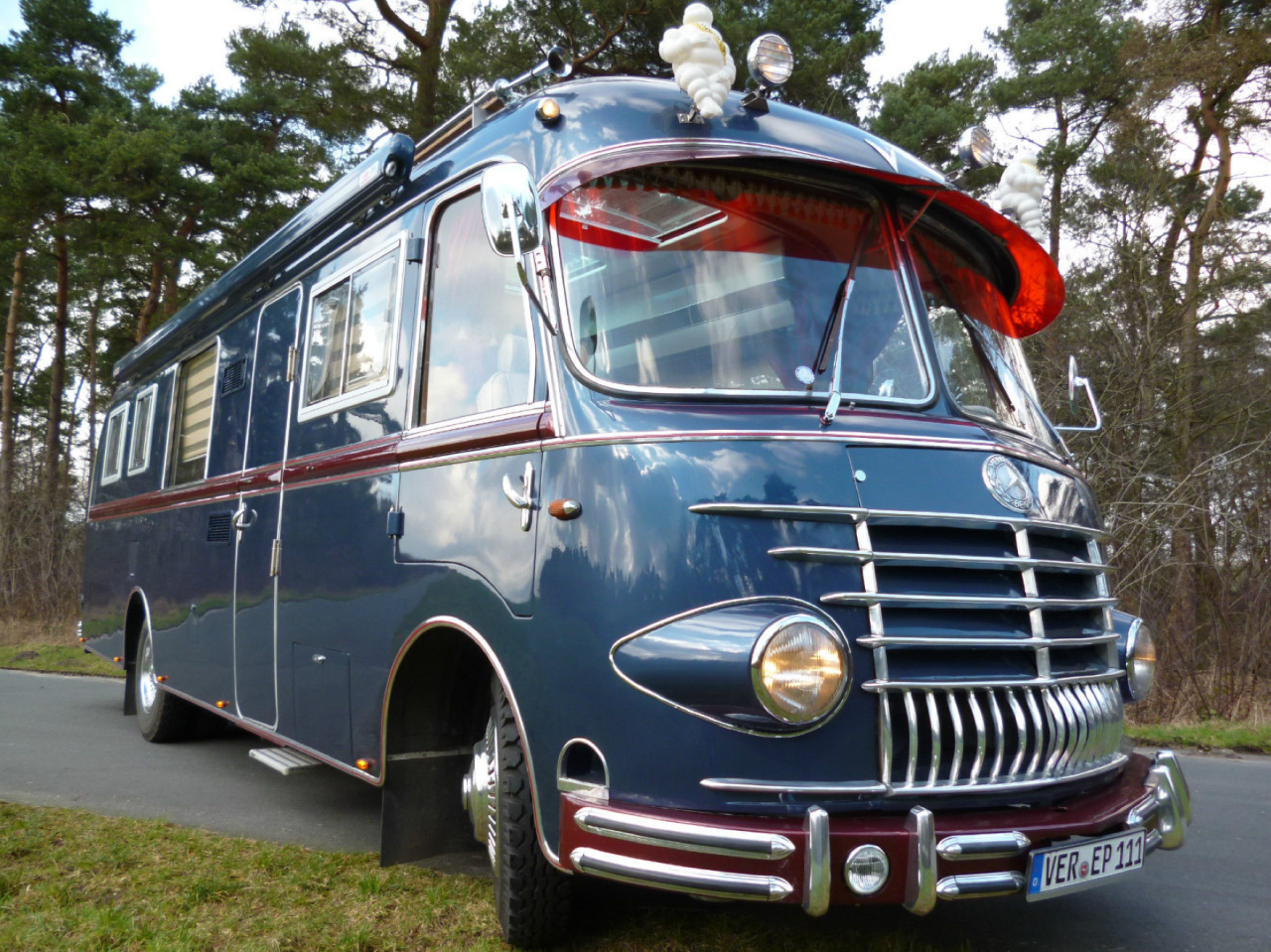Steampunk Vehicles Vintage Trailers Mercedes Bus Classic Cars Trucks
