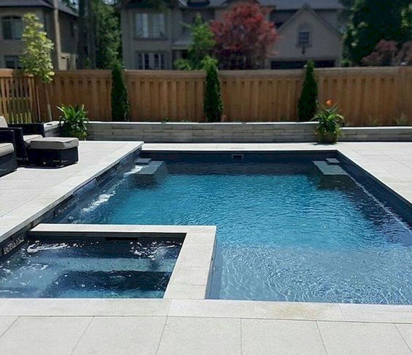 50 Gorgeous Small Swimming Pool Ideas For Small Backyard Backyard Pool Landscaping Small Backyard Pools Modern Pools Modern backyard with small pool