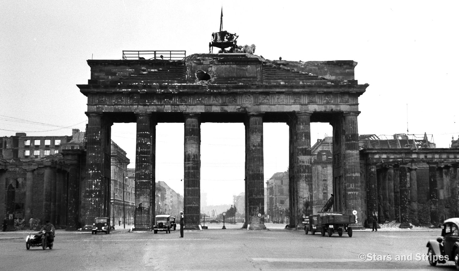 PICTURES FROM HISTORY: Rare Images Of War, History , WW2 ...  |Brandenburg Gate Ww2