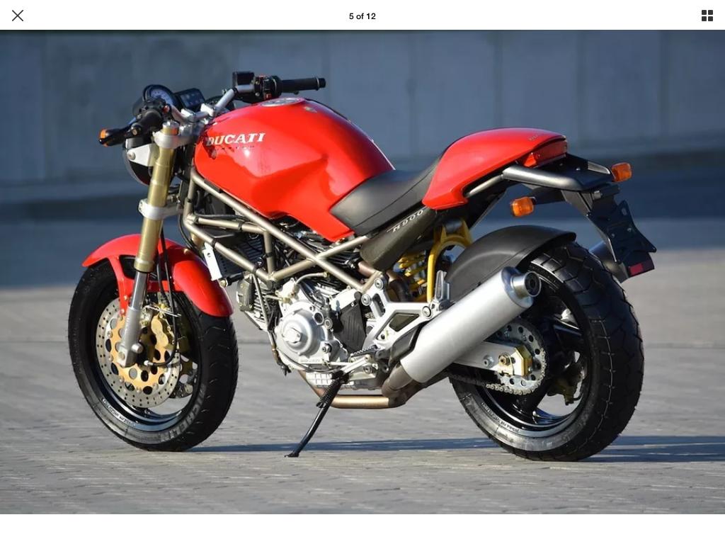Ducati Monster 900, M900.