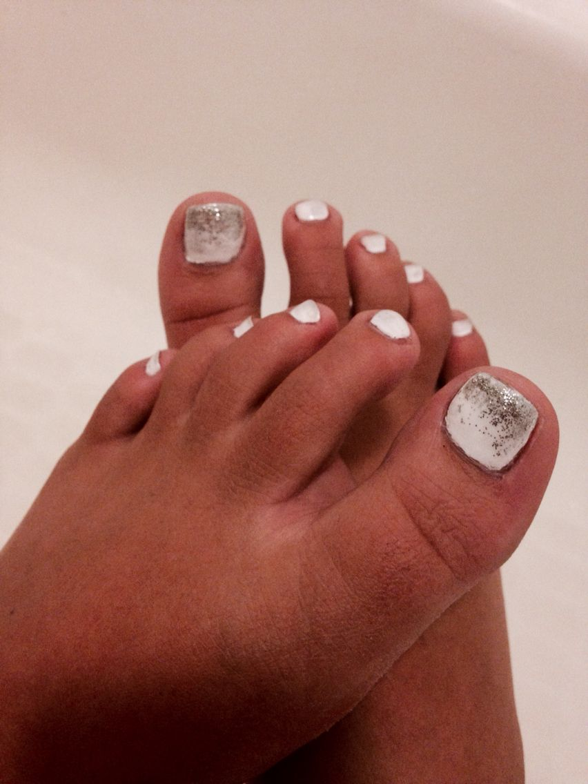 Cute white and silver Ombré toe nails!! #ombre #toenails   Cute ...