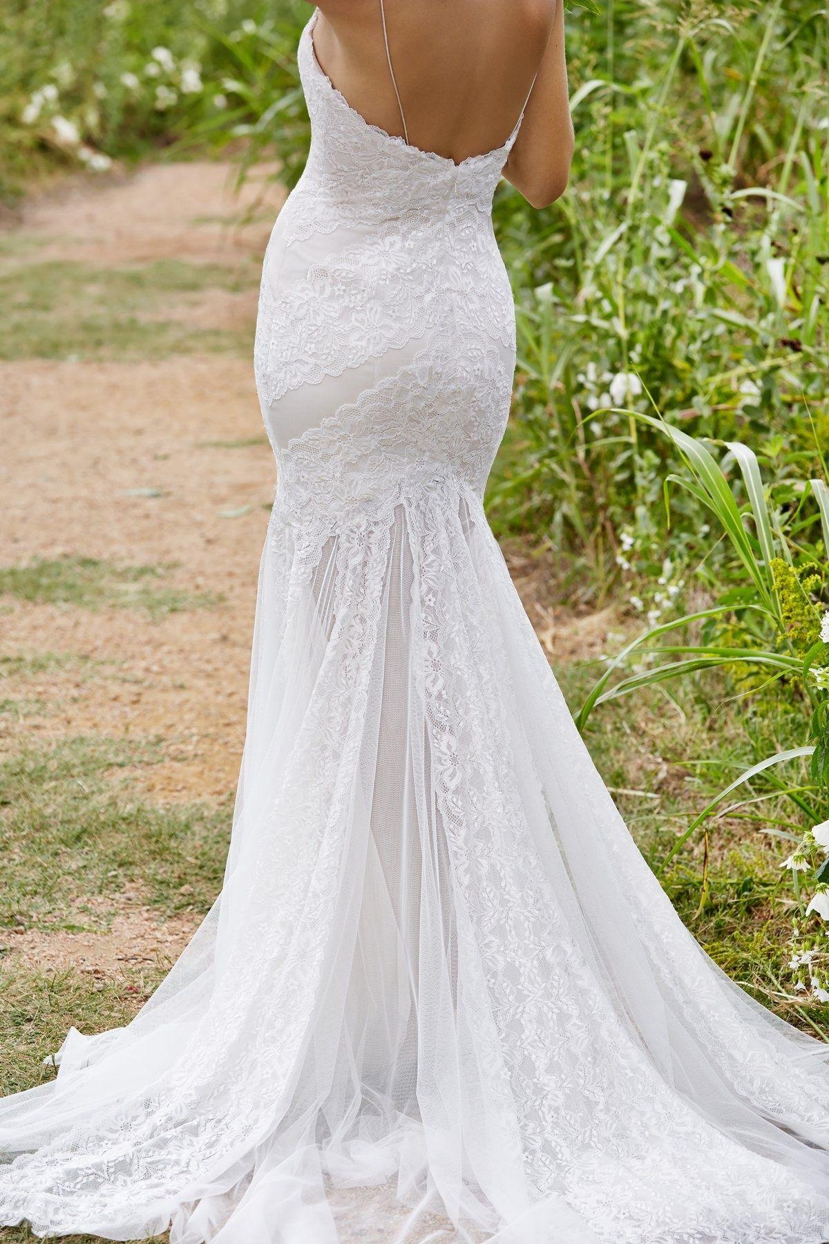 WREN // http://bohemianbrides.com.au/ // Bohemian Brides // Gold ...