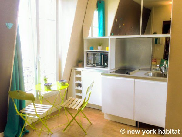The Perfect Student Apartment In Paris This Bright Rental Is Fun