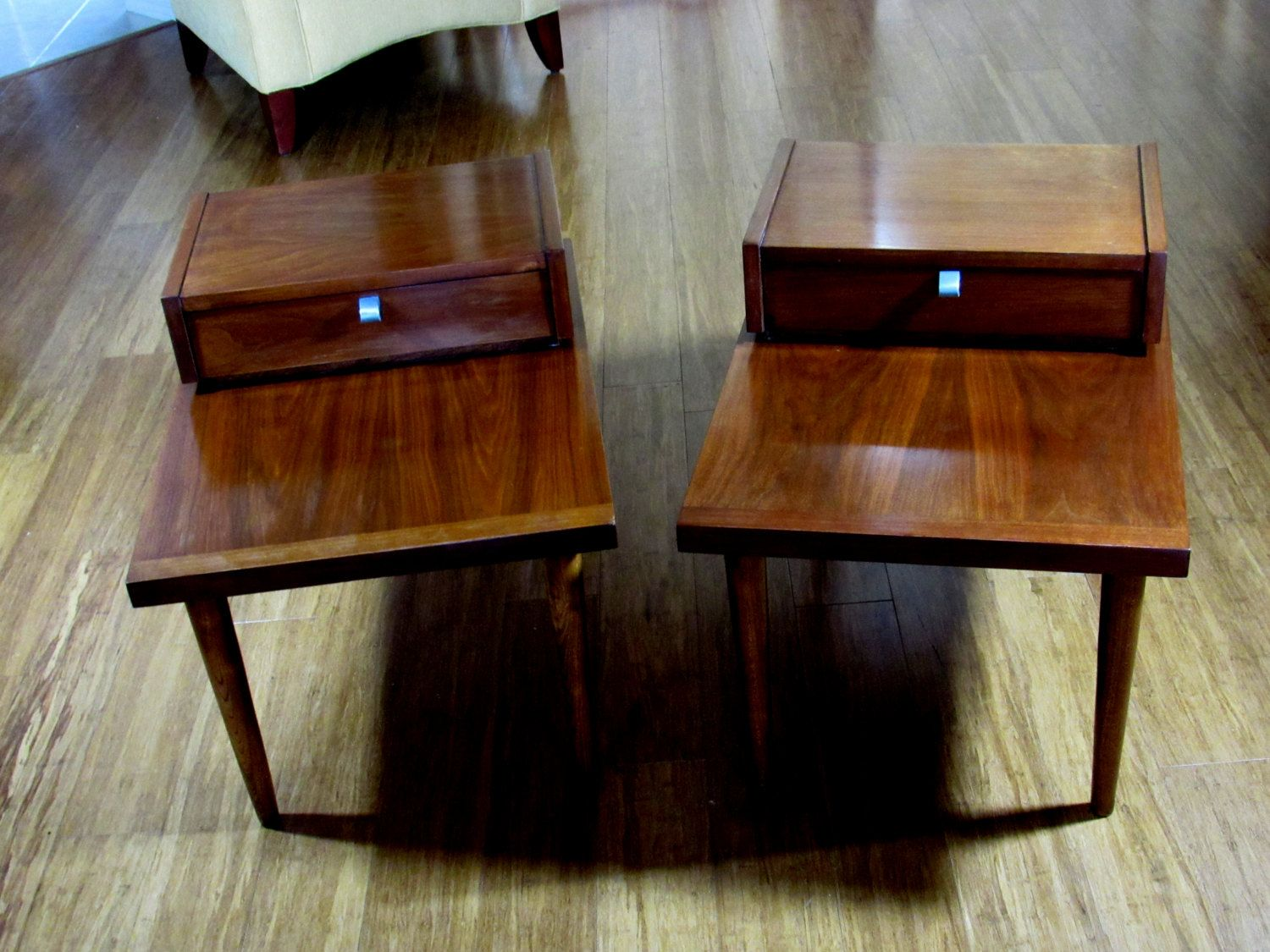 Beautiful Mid Century Pair (2) American Martinsville Furniture Step End  Tables With Dovetail Drawers