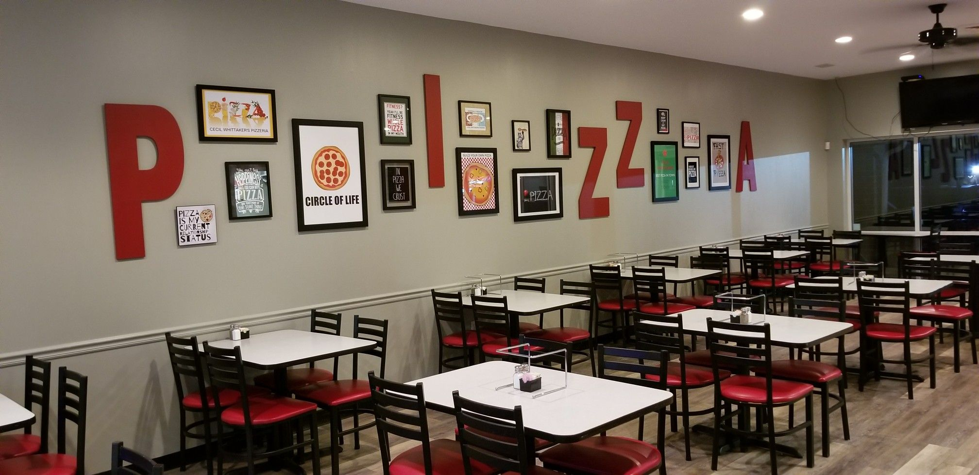 Decoration Facade Pizzeria