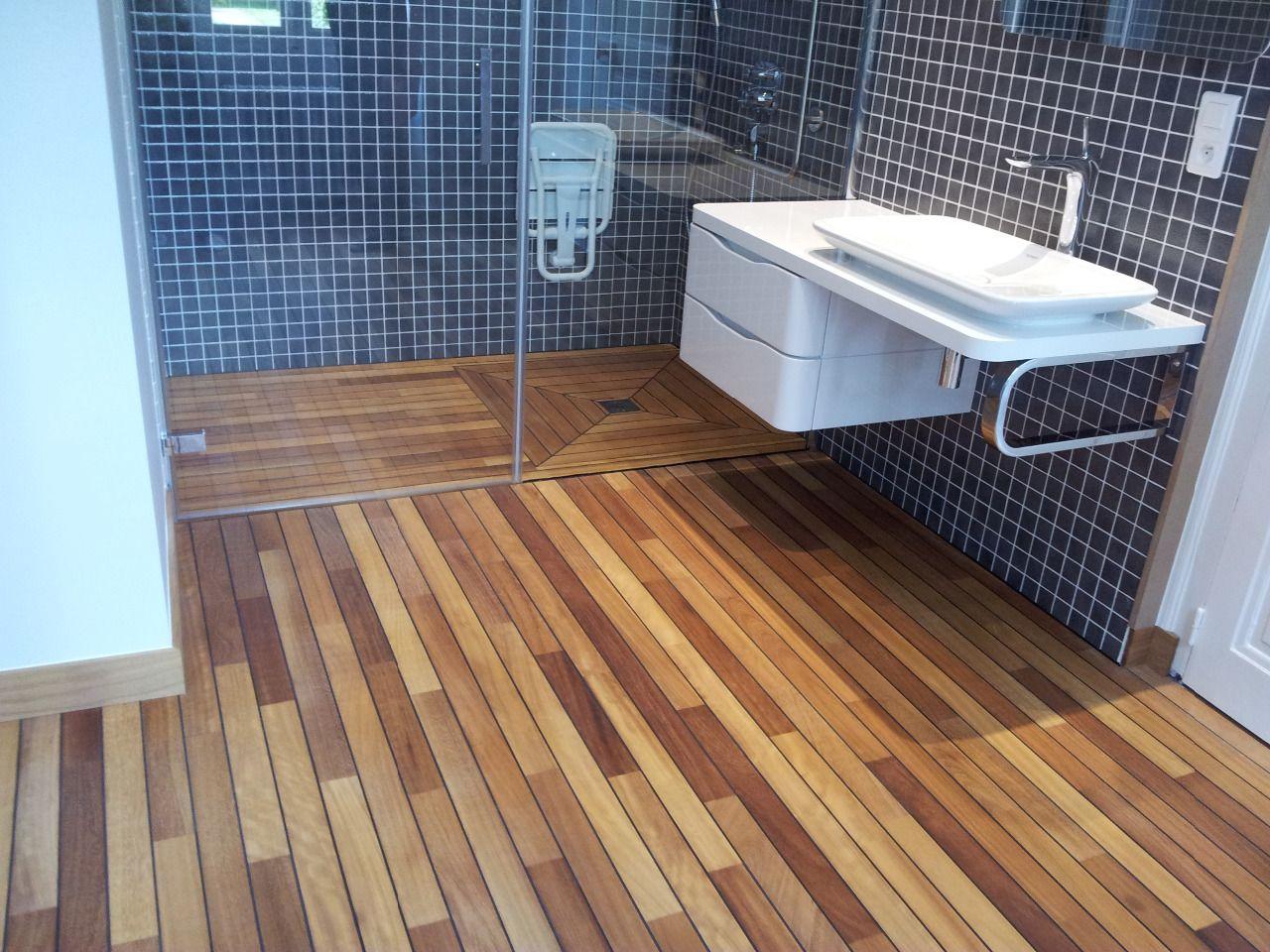 Arcobois parquet pont de bateau en iroko salle de bain pinterest salle salle de bain et - Parquet pont de bateau salle de bain ...