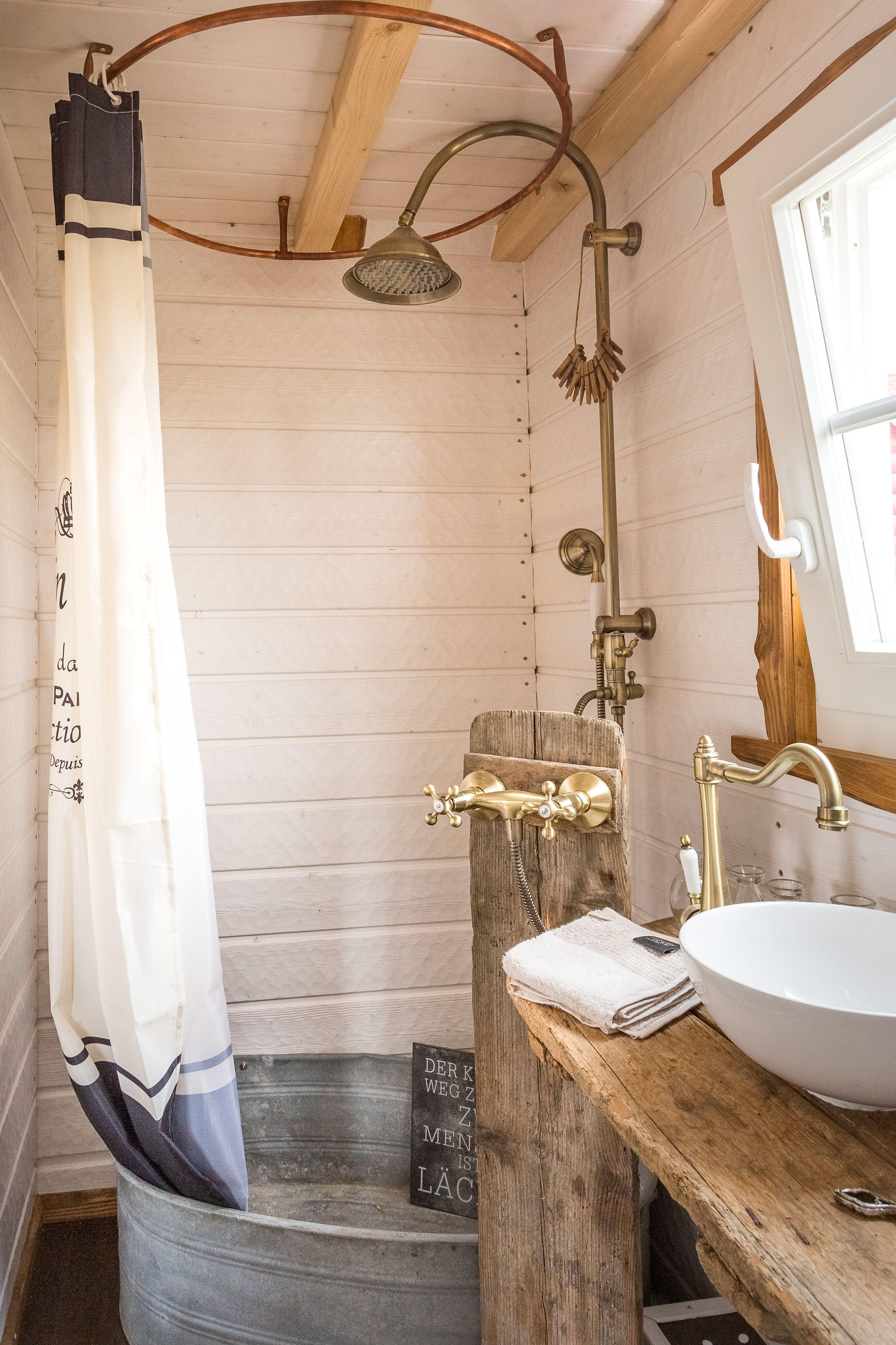 Mobiles Tiny House Frankreich Runde Badezimmerspiegel Haus Auf Radern Zinkwanne