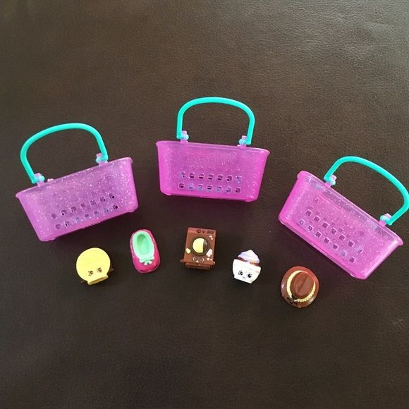 Shopkins, 5 shopkins, 3 baskets Shopkins, 5 shopkins, 3 baskets. Selling together only. Shopkins Other