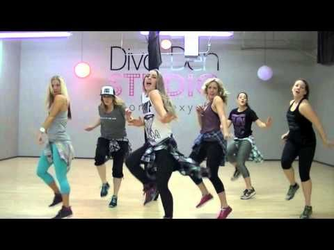 UPTOWN FUNK - DANCE FITNESS @ DIVA DEN STUDIO - YouTube Such a fun workout! Sid Vicious is the best! She's got lots of other great dance fitness workouts to pop songs! It's easy quick cardio