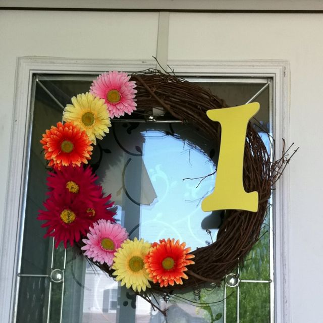 Super easy (and cheap) DIY spring & summer wreath ...
