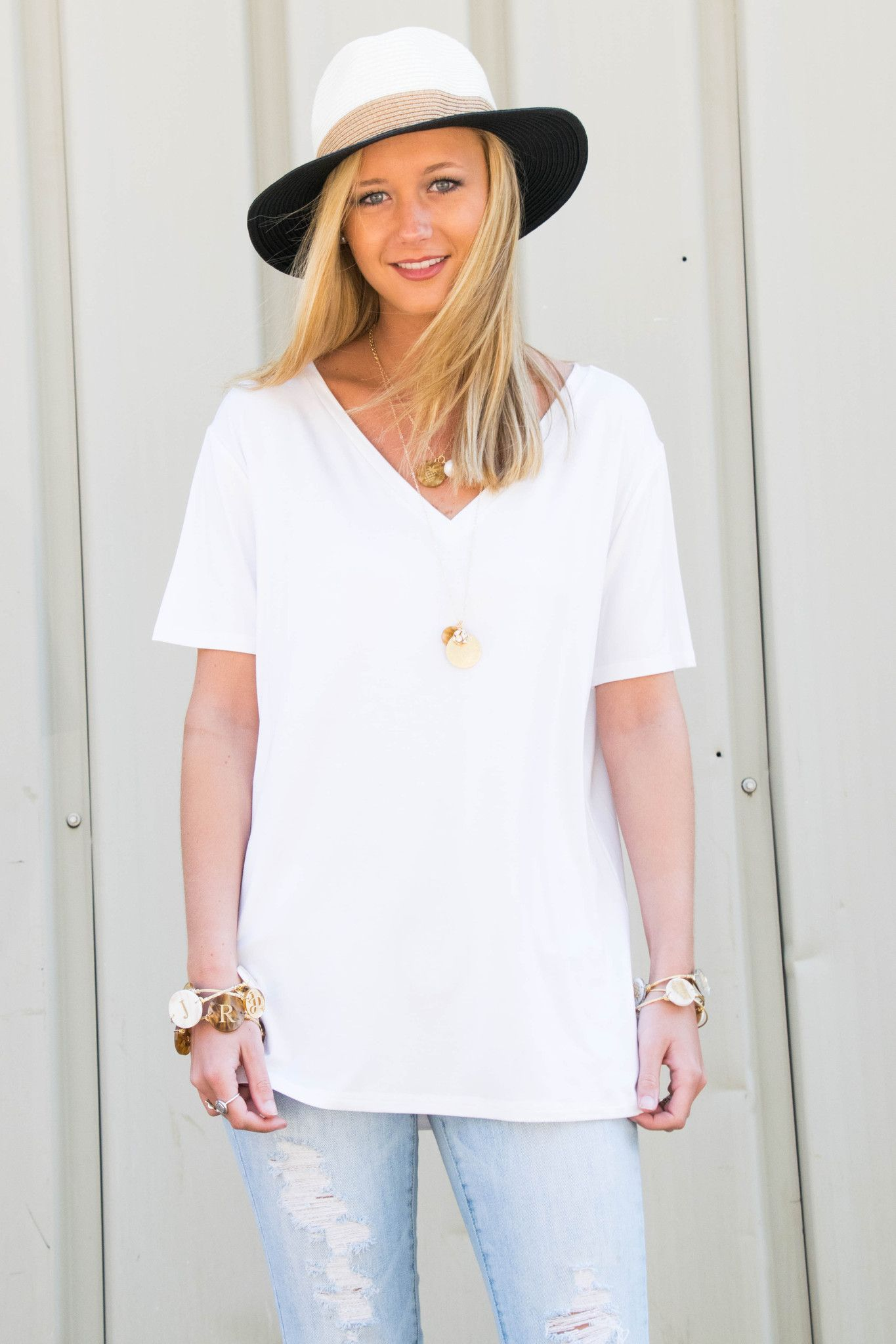 Piko Short Sleeve in Off White (V-Neck)