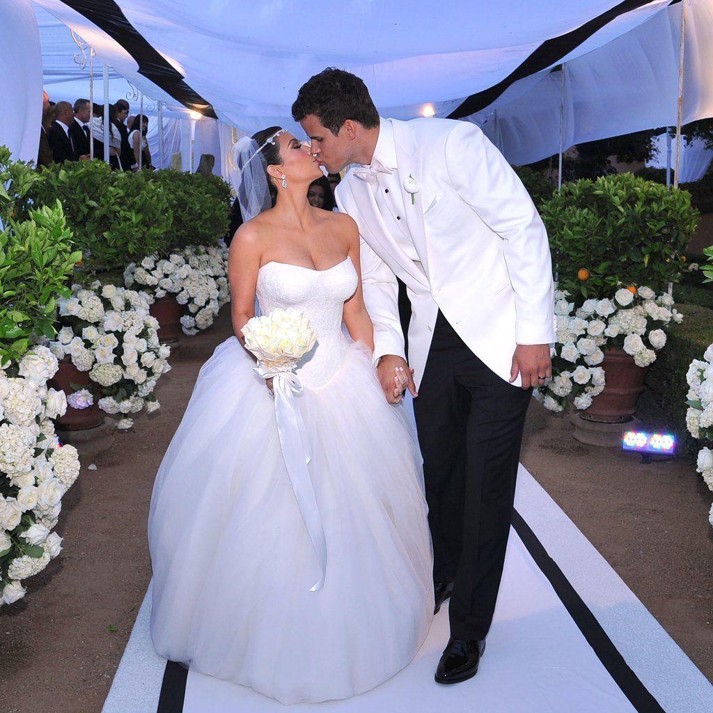 Kim Kardashian Knew Her Marriage To Kris Humphries Would Be A Failure Fai Kim Kardashian Wedding Dress Kris Kim Kardashian Wedding Dress Kim Kardashian Wedding [ 1024 x 1024 Pixel ]