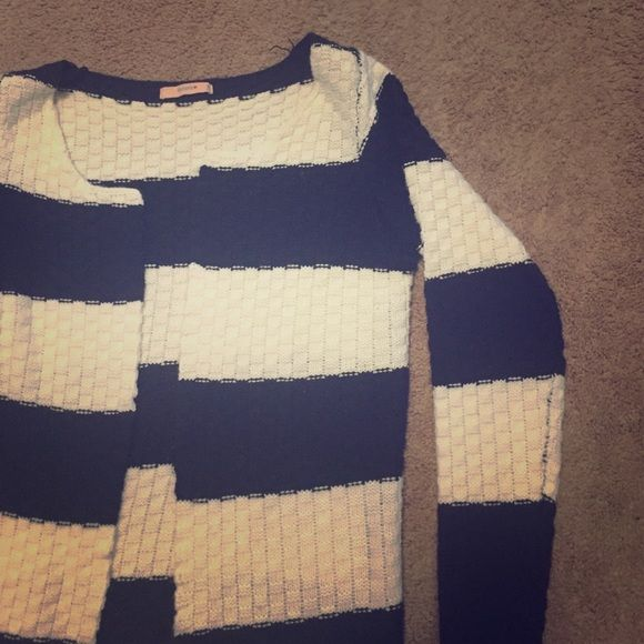 Adorable navy & white cardigan Super cute, bought off Poshmark, but fit too small! Marked as a size small, but fits more like an XS/ S. Great condition & very clean. Looks beautiful, but just not my size. Non-smoking home, looking to get back what I spent on it. Cream and navy in color. Remember to bundle to save more! Banana Sweaters Cardigans