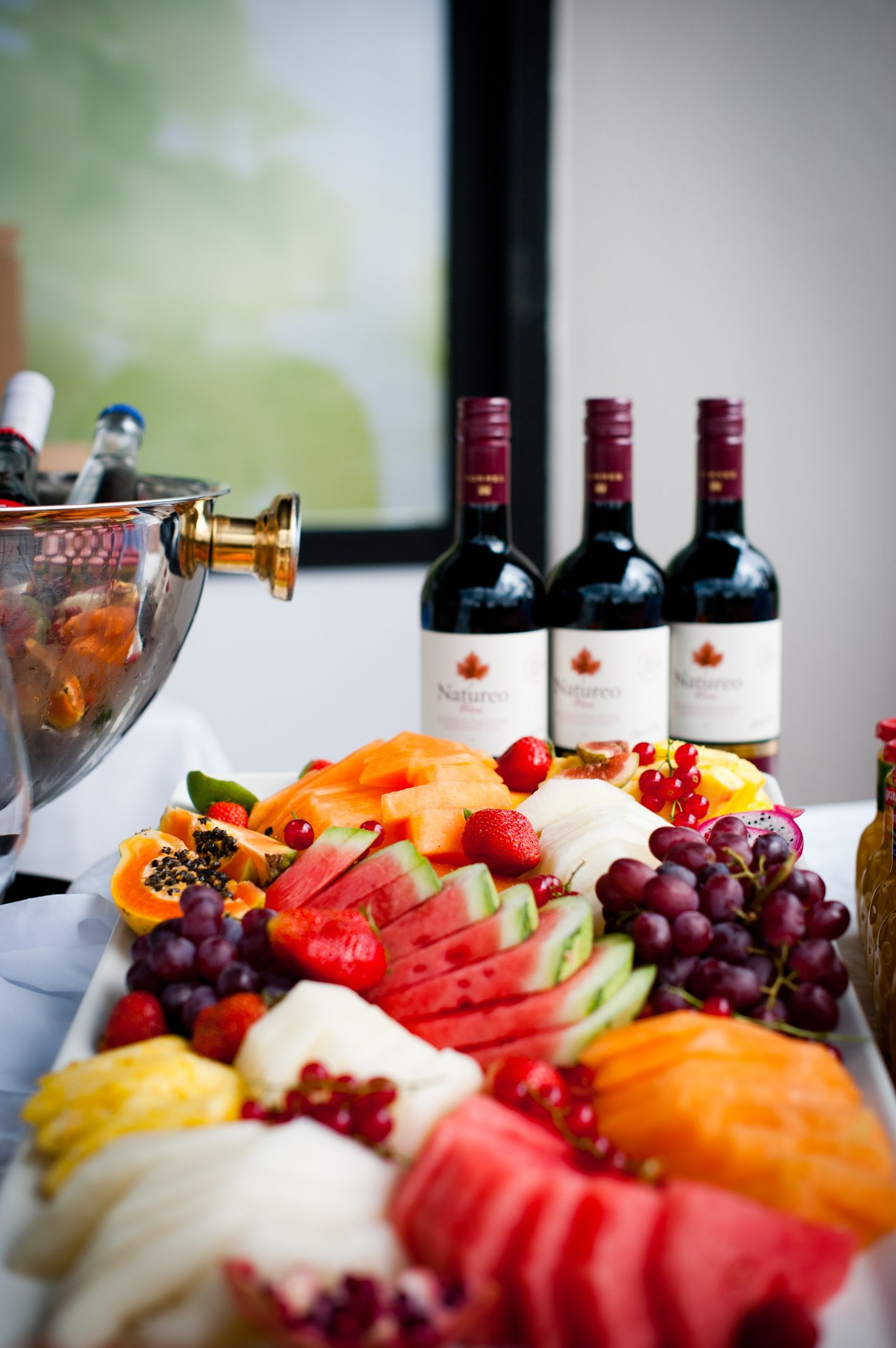 Explore New Wines Or Try An Old Favorite Compare Two Different Wines At Sheraton Social Hour Http Www Threesixtyrestaurant Com En Socialhour