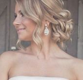 35 Ideas Wedding Hairstyles Updo With Veil Braids Side Buns For 2019 #wedding #  Hairstyle Cute Curls #weddingsidebuns