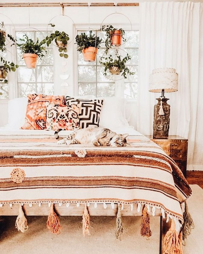 40+ Bohemian Minimalist with Urban Outfiters Bedroom Ideas #bohemianbedrooms