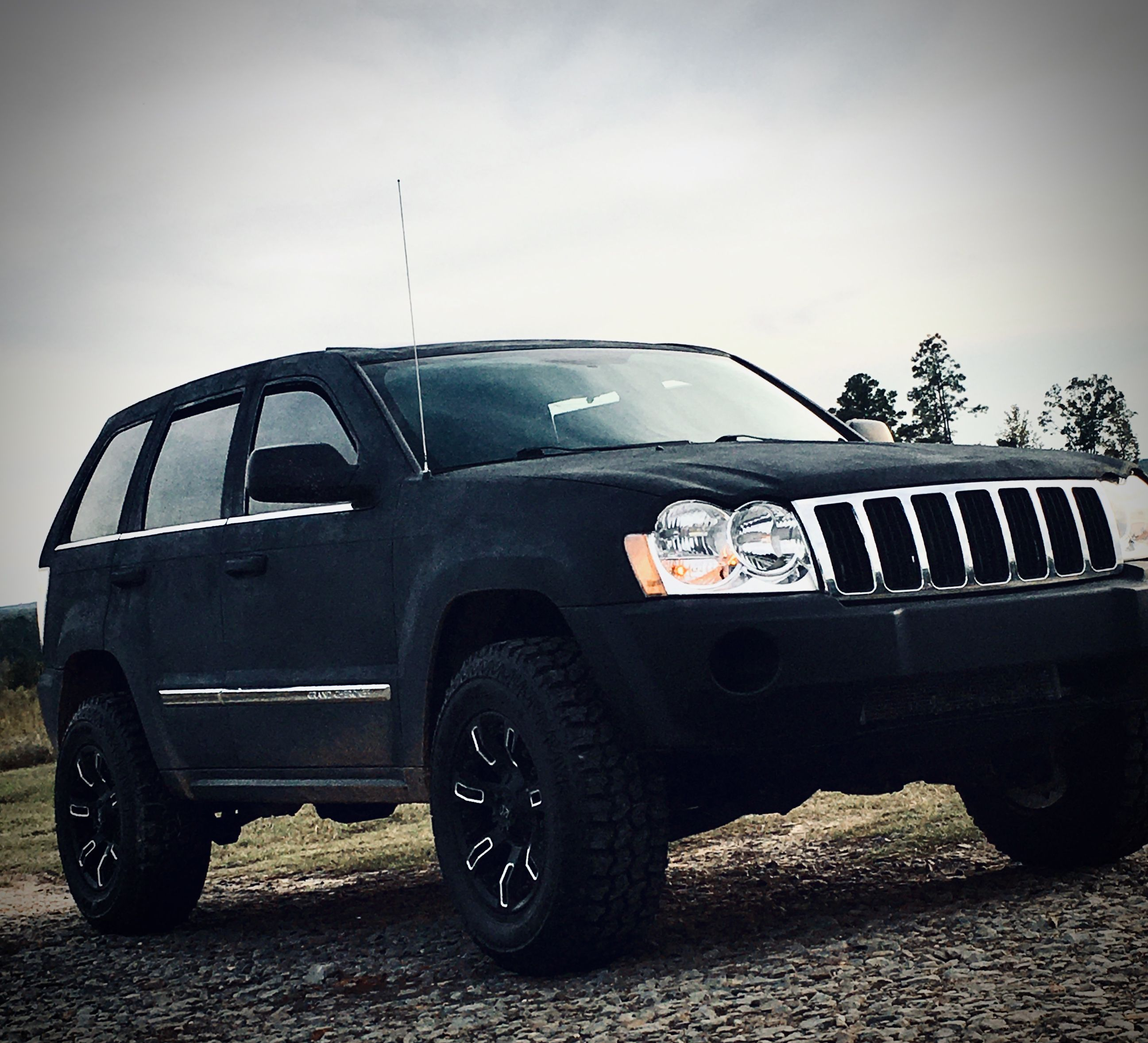 2005 Jeep Grand Cherokee Limited 5 7l Hemi Almost Complete Full