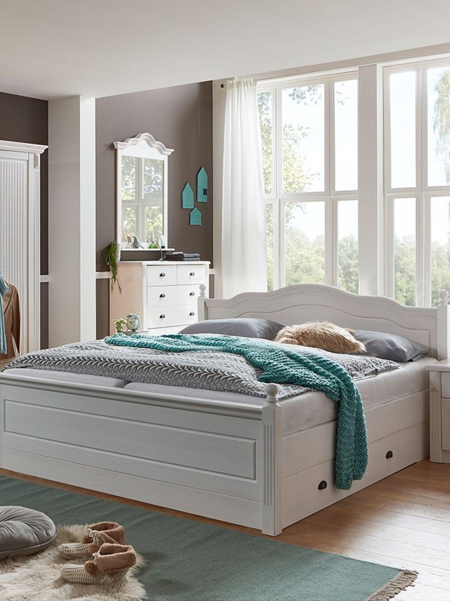 Schlafzimmer Möbel im Landhaus Stil