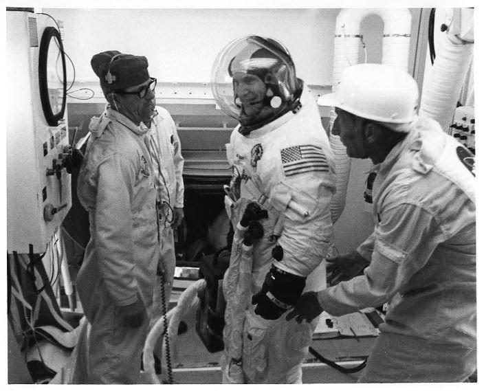 APOLLO 16 CREW KEN MATTINGLY JOHN YOUNG CHARLIE DUKE 8X10 NASA PHOTO EP-217