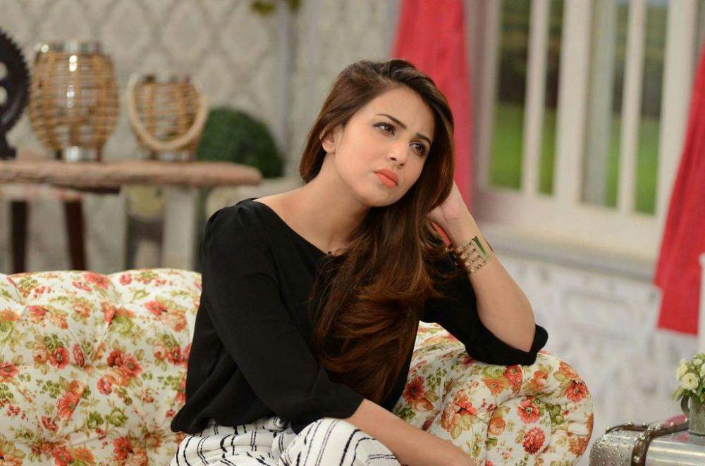 Pak Celebrity Gossip: Ushna shah biography   Ushna shah