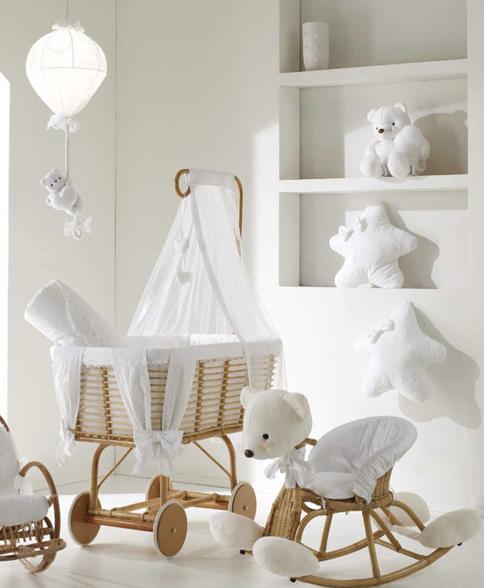 Pin de Miyu Miyu en Moses Baskets / Cribs / Bassinets | Pinterest