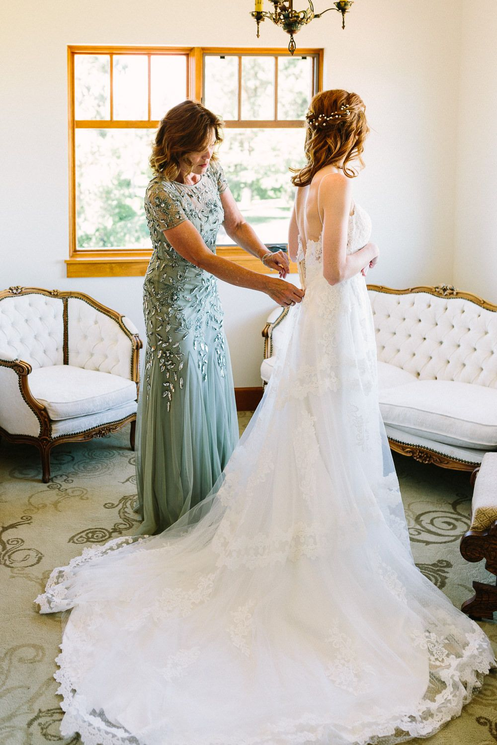 Sweet Summer Wedding At Arbor Crest Winery Hannah Victoria Photography Romantic Wedding Gown Modern Wedding Gown Modern Bridal Gowns