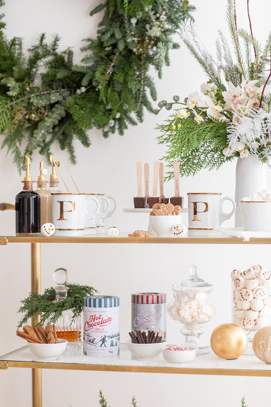 How to Create a Holiday Hot Chocolate Bar #hotchocolatebar