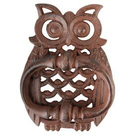 Add a charming touch to your front door with this quirky door knocker, featuring an on-trend owl design.   Product: Door knockerli>Construction Material: IronColour: BrownDimensions: 18 cm H x 13 cm W x 4 cm D