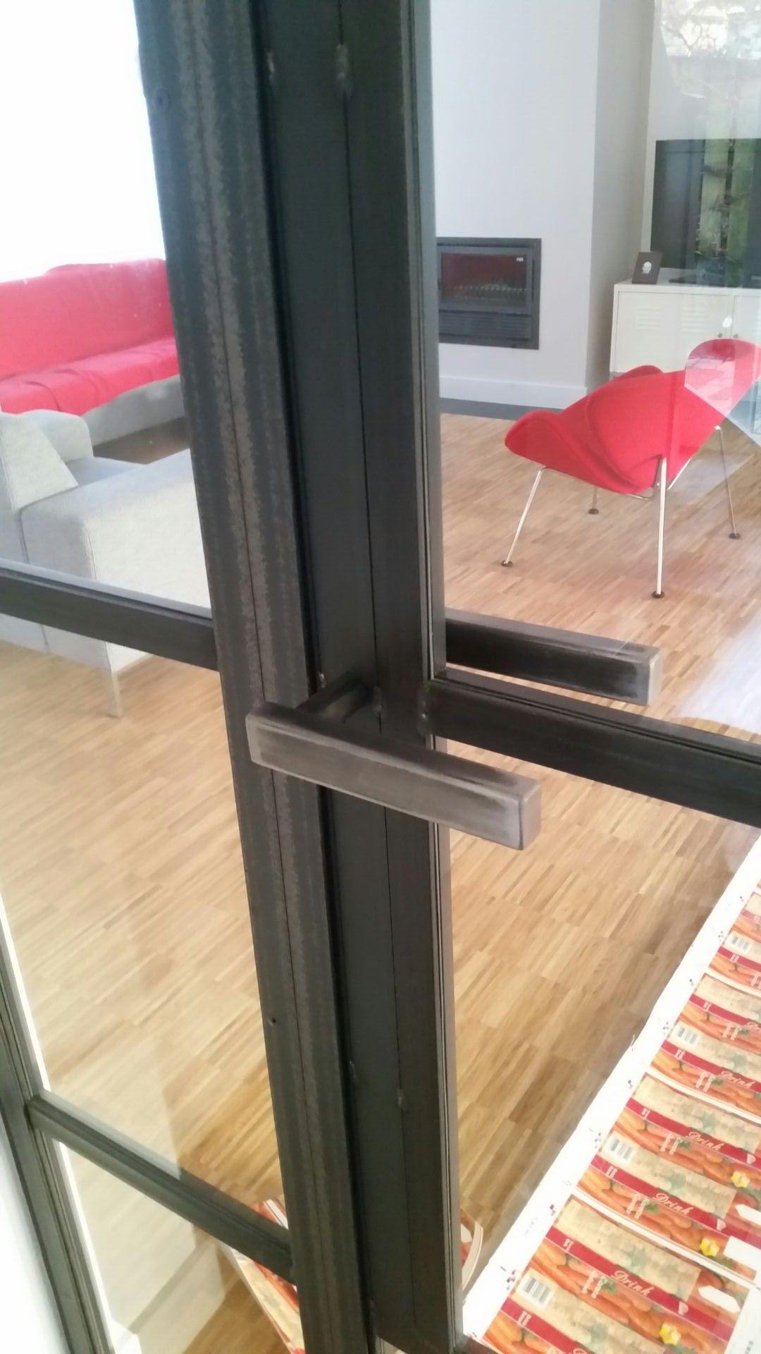 Stalen deur open handvat detail  Nieuwe woonkamer in 2019