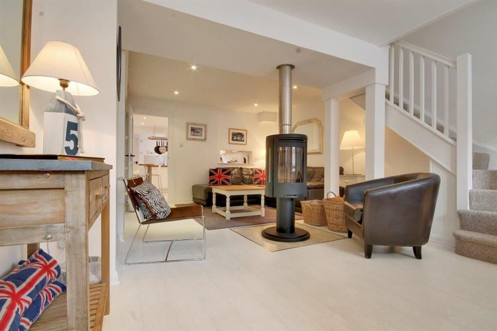 Look At That Beautiful Rotating Wood Burner Seagull Cottage In Lymington Is Available To Let All Year Round New Forest Cottages Holiday Cottage Cottage