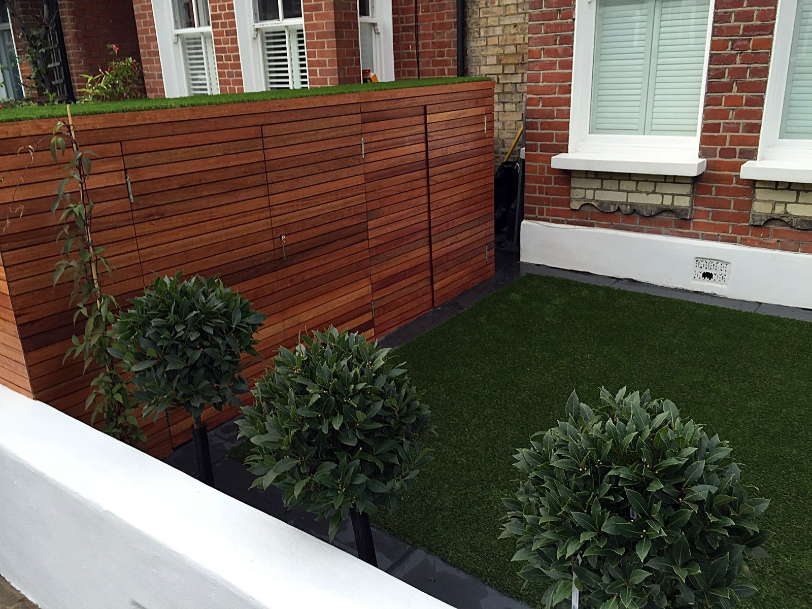 Dulwich front garden design topiary fake grass London Chelsea Wandsworth