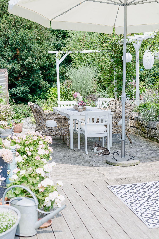 Outdoor Living auf der Terrasse oder meine Wochenendblümchen • Pomponetti #cottagegardens