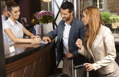 Big hotel chains aim small to grab millennials market