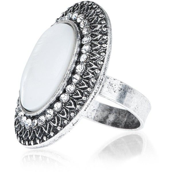 New Look Silver Engraved Diamante Ring ($5.75) ❤ liked on Polyvore featuring jewelry, rings, silver, silver jewelry, silver jewellery, engraved silver rings, engraved silver jewelry and silver rings
