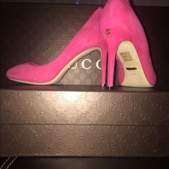 adb1e8d63481 Gucci Suede Pumps Gucci Fuchsia suede pumps! authentic! Never worn. Still  in plastic with original box and dust bag. Small interlocking G detail on  back ...