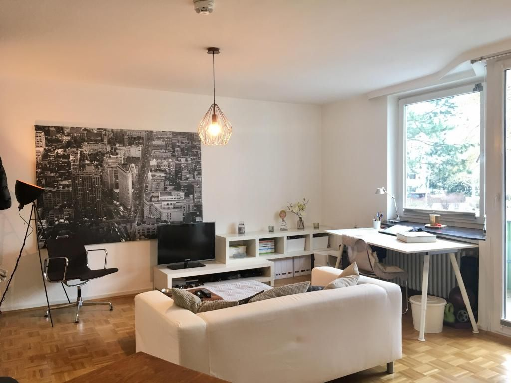 Wohnzimmer Esstisch ~ Dekovorschläge für wohnzimmer mit essbereich weiße ledersofas holz
