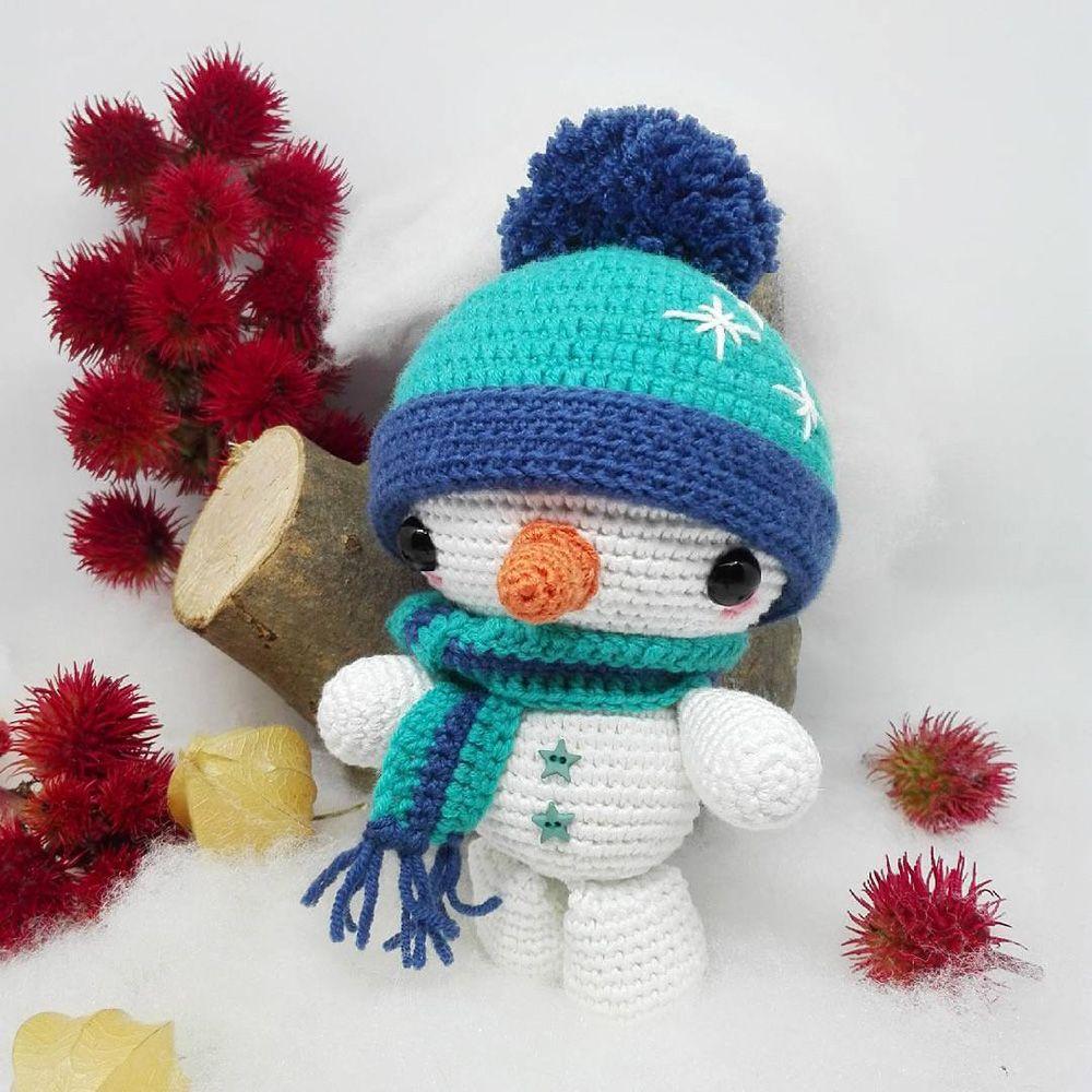 Réalisez ce joli bonhomme de neige en fil Natura et laine Woolly DMC