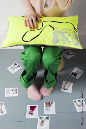 Clic Cushion In Neon Yellow