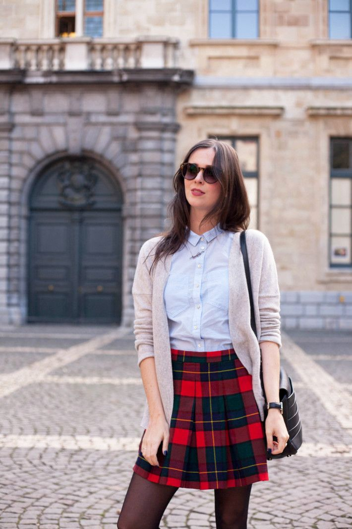 4dc4bbc4f Outfit: cashmere cardigan, vintage plaid mini skirt | Fall into ...