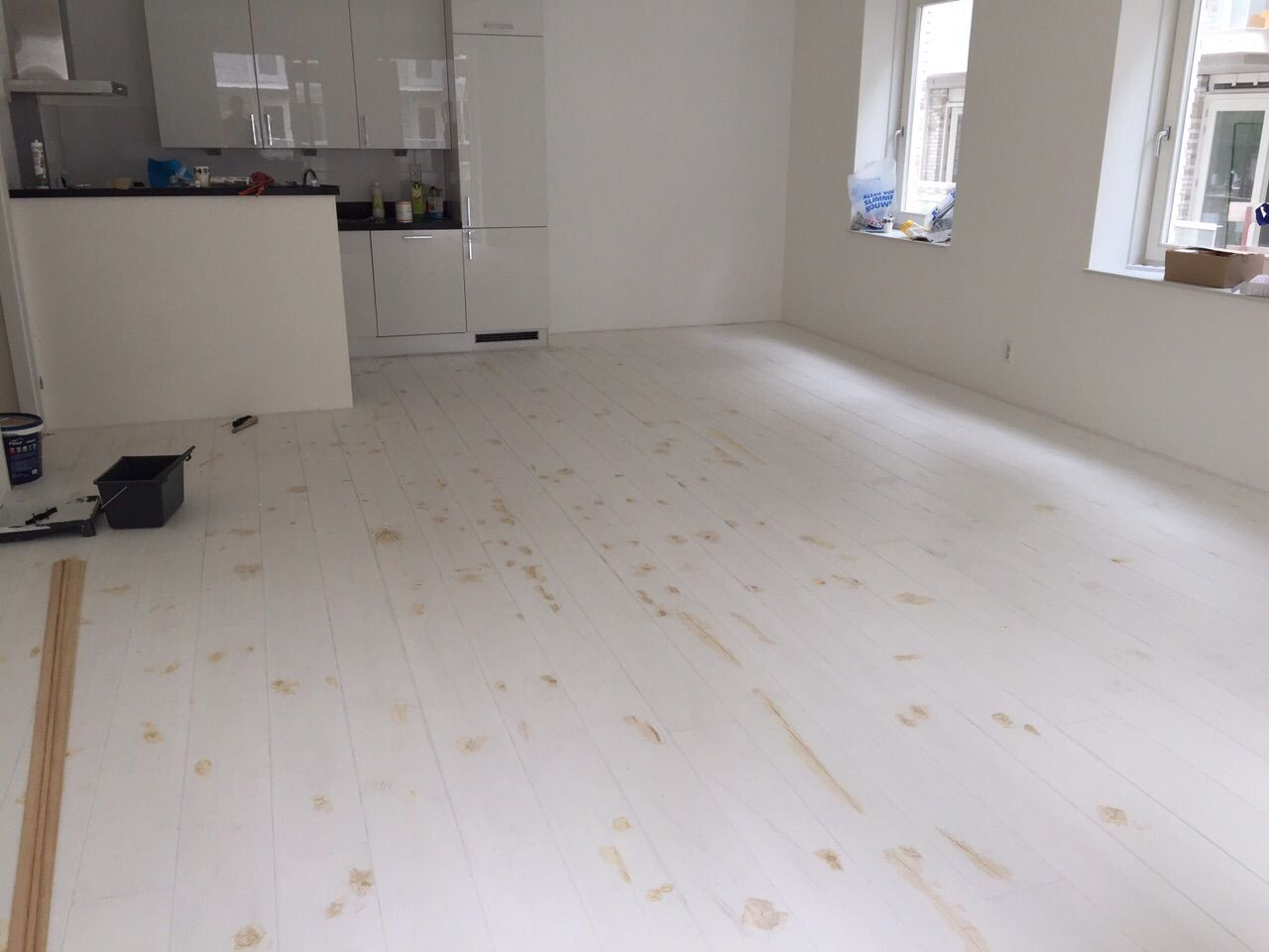 pin van eerlijk hout op wit geschilderde houten vloeren pinterest