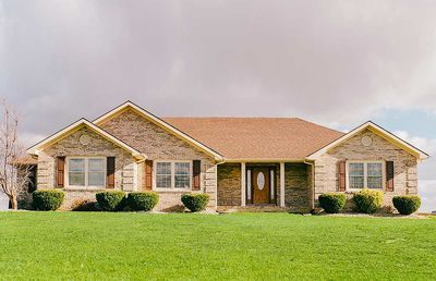Traditional 3 Bed Ranch House Plan