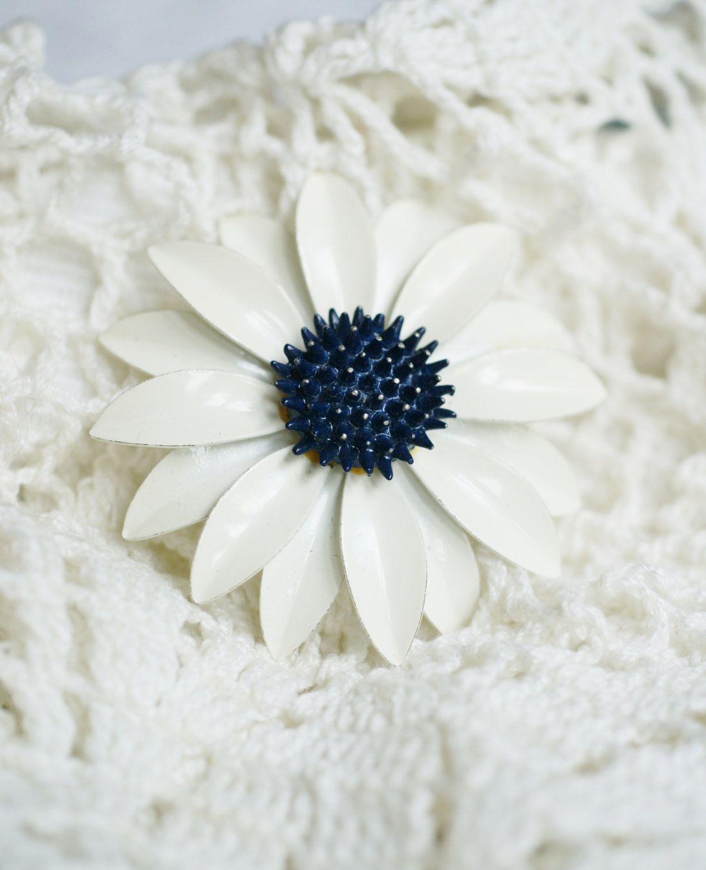 Large White Enamel Flower Brooch Vintage White Daisy Brooch Blue