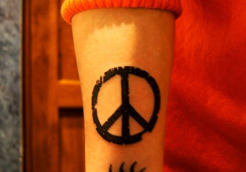 #tattoo #peace #peacetattoo #blacktattoo #ink