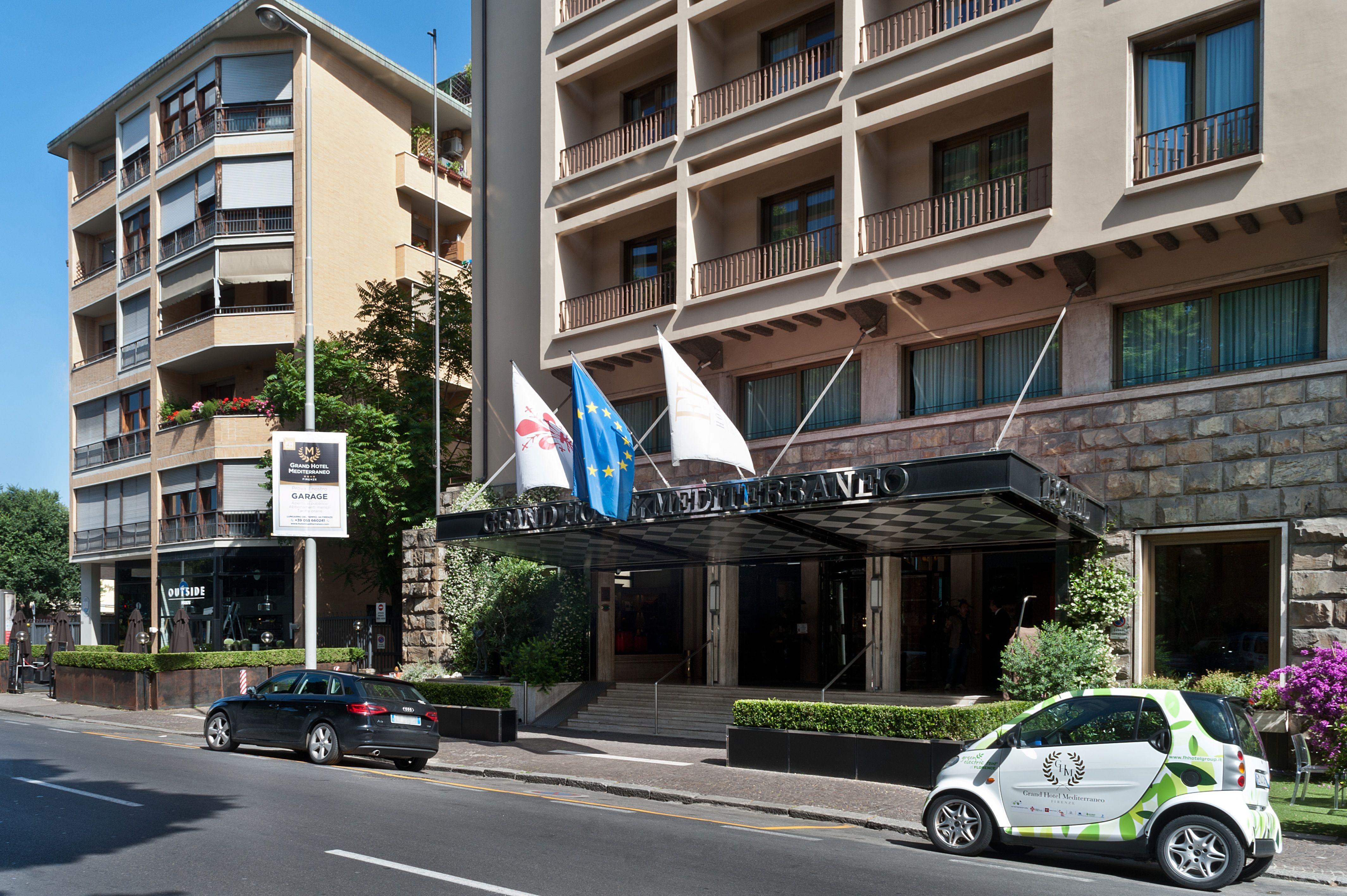 The Grand Hotel Mediterraneo is located near the Arno ...