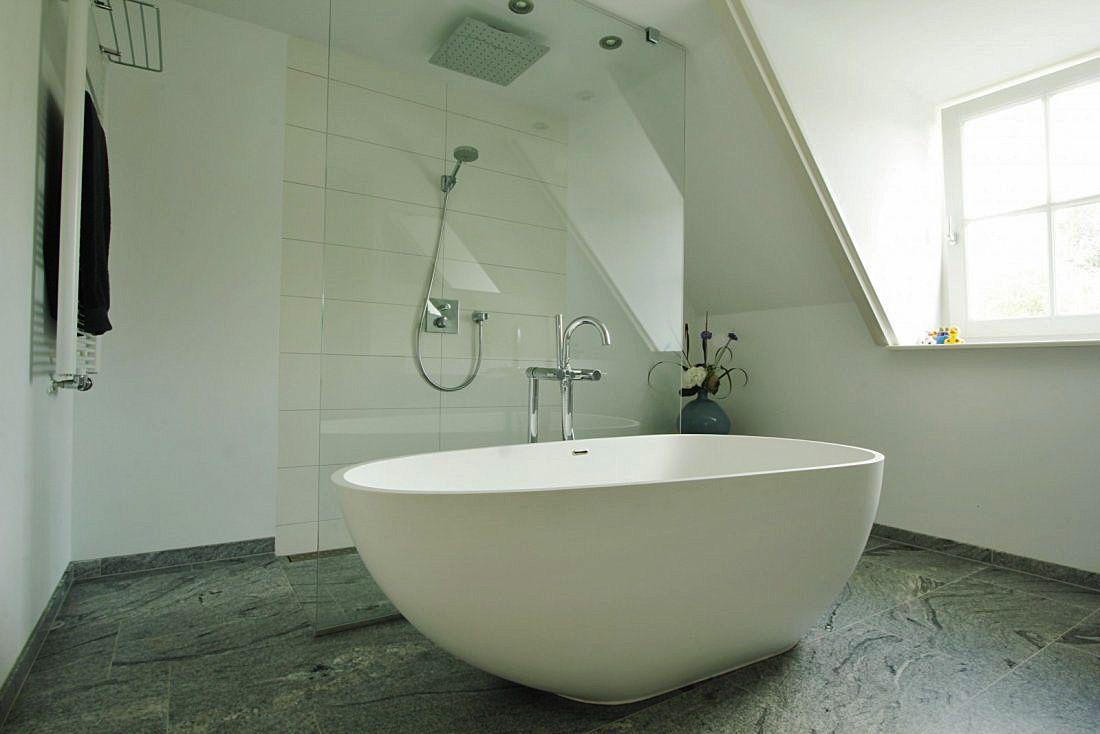 Moderne badkamer Utrecht. Meer badkamers vind je op walhalla.com ...